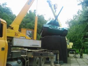 Демонтаж танка в Дружковке