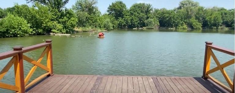 Озеро в Камышевахе